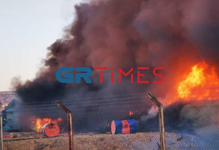 Φωτιά σε μάντρα στη Δυτική Θεσσαλονίκη (video)