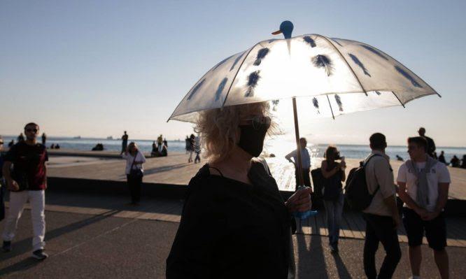 """Κορονοϊός – Θεσσαλονίκη: Πως έφτασε από το """"success story"""", στον σχεδόν """"πορτοκαλί"""" συναγερμό"""