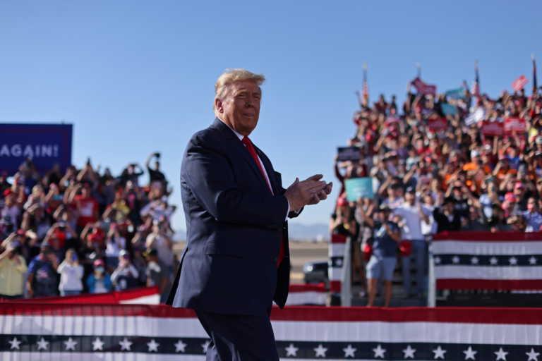 Αμερικανικές εκλογές: Ποιος κορονοϊός; Ο Τραμπ συνεχίζει απτόητος τις συγκεντρώσεις! Σαν σαρδέλες και χωρίς μάσκες (pics)