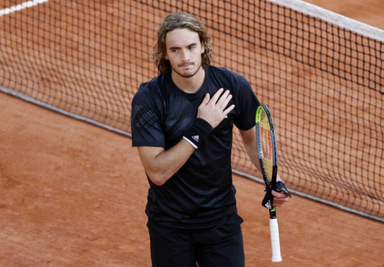 """""""Σίφουνας"""" ο Τσιτσιπάς! Εύκολη πρόκριση στους """"32"""" του Roland Garros (video)"""