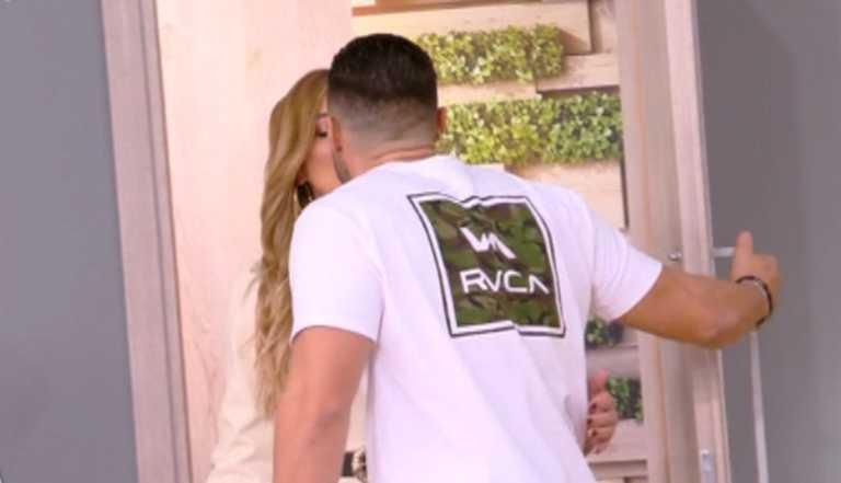 Το τρυφερό on air φιλί της Ευρυδίκης Βαλαβάνη με τον Κωνσταντίνο Βασάλο