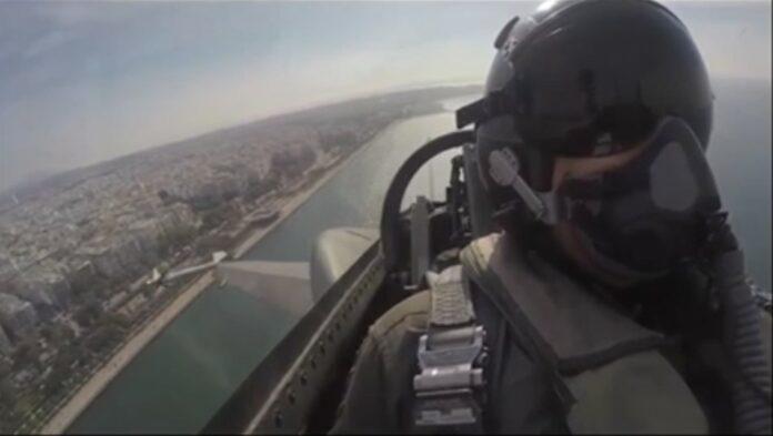 Συγκλονίζει ο πιλότος της ομάδας «ΖΕΥΣ»: Το πιο ηχηρό μήνυμα της Ιστορίας είναι το δισύλλαβο ΟΧΙ (vid)