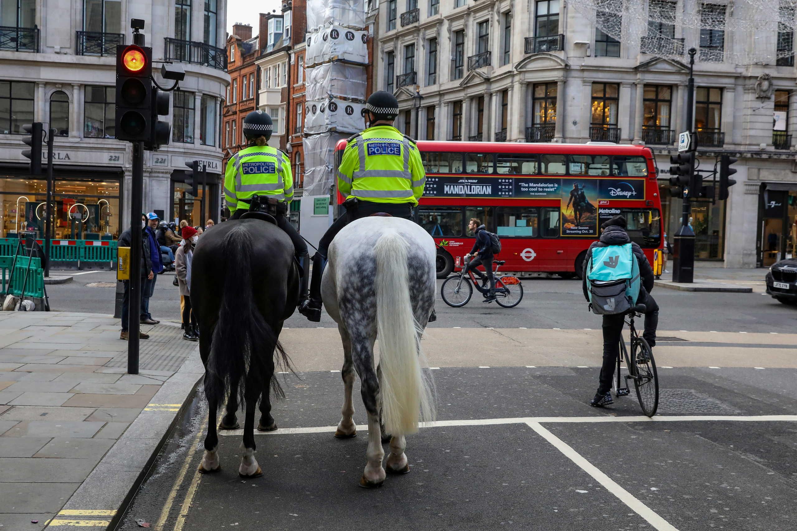 """Λήξη συναγερμού στο Λονδίνο: """"Αθώο"""" το… ύποπτο πακέτο κοντά σε ουρανοξύστη"""
