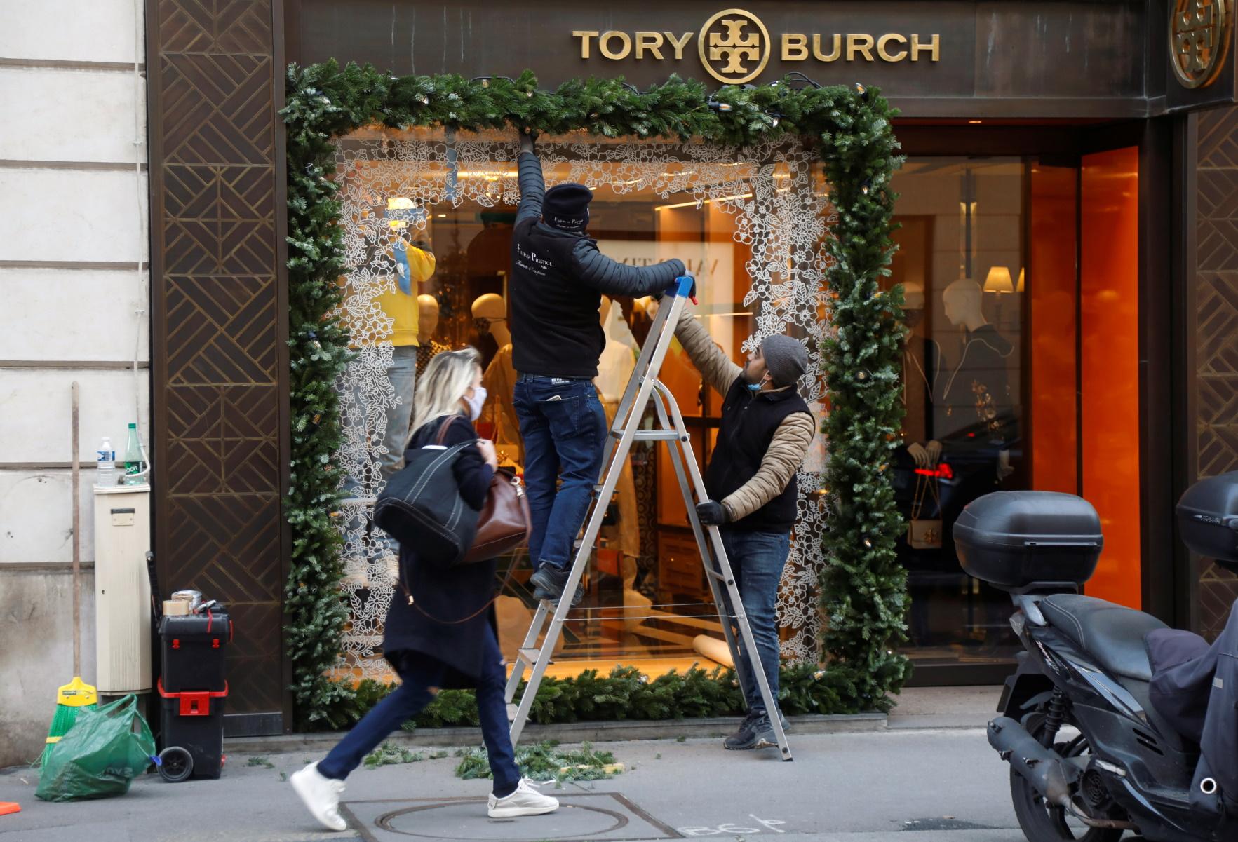 Κορονοϊός: Τολμούν Ιρλανδία και Βέλγιο – Ανοίγουν καταστήματα εν όψει Χριστουγέννων