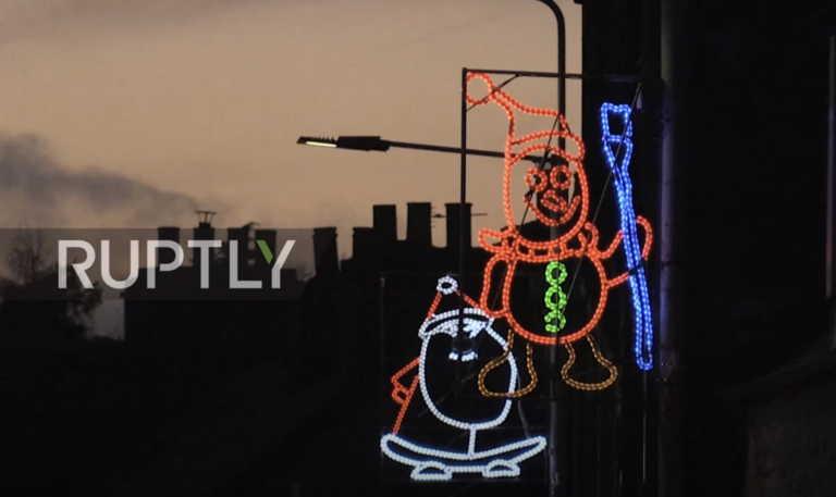 Σκωτία: Παιδικά σχέδια στον χριστουγεννιάτικο φωτισμό (video)