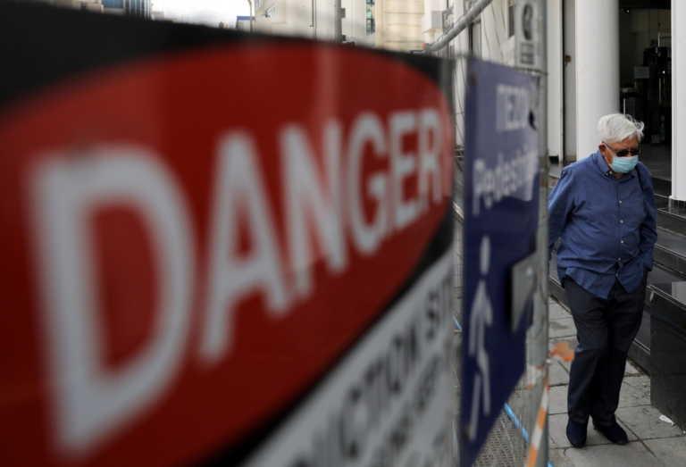 """Κορονοϊός: Τα καταστήματα ανοίγουν στην Ευρώπη αλλά στις ΗΠΑ """"οχυρώνονται"""""""