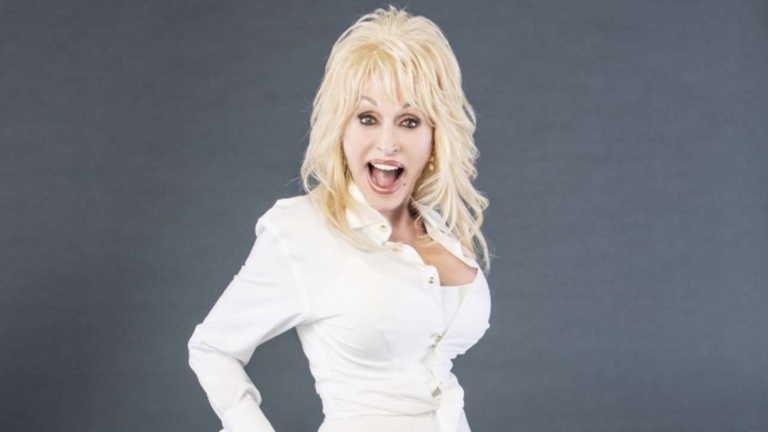 Ντόλι Πάρτον: «The Library That Dolly Built» αποκλειστικά στο Facebook