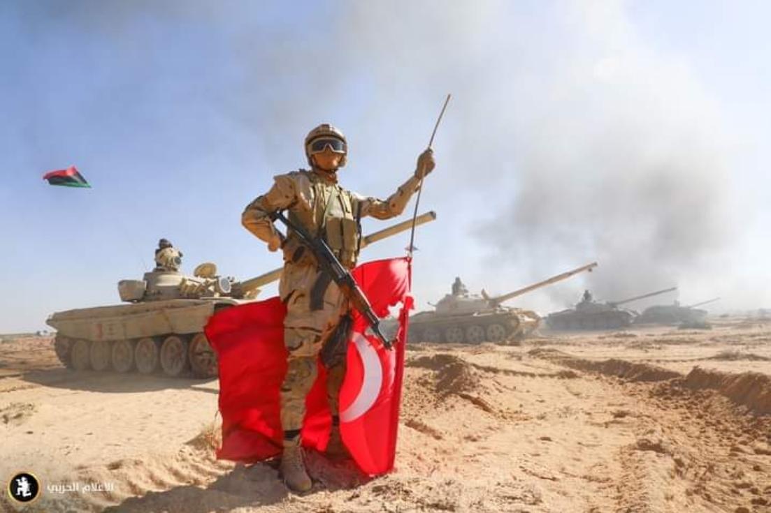Λιβύη: Στρατιωτική άσκηση των δυνάμεων του Χάφταρ με «μήνυμα» στον Ερντογάν (pics, vid)