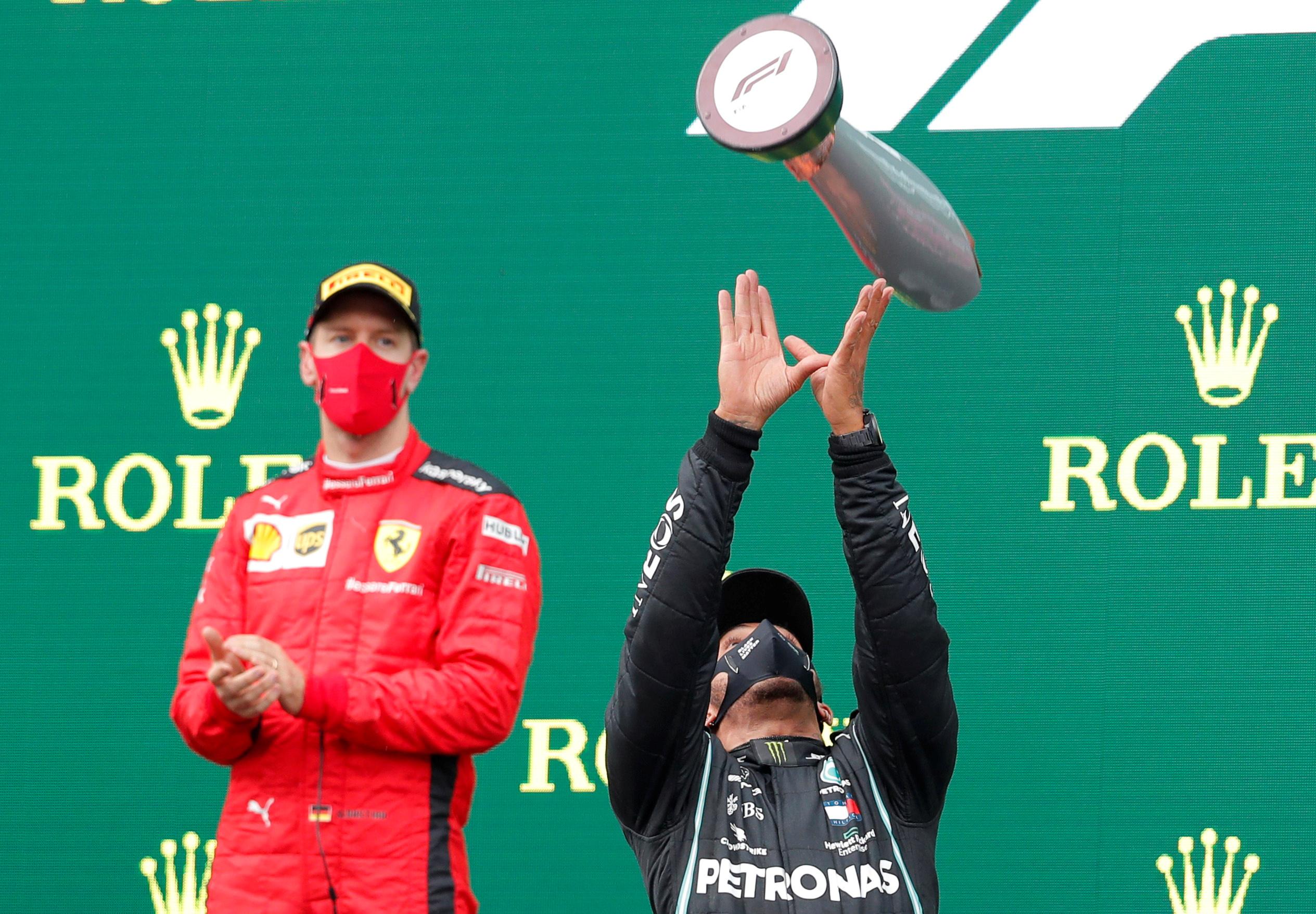 "Formula 1: Αποθέωσε Χάμιλτον ο Φέτελ! ""Είναι ο καλύτερος οδηγός της εποχής μας"""