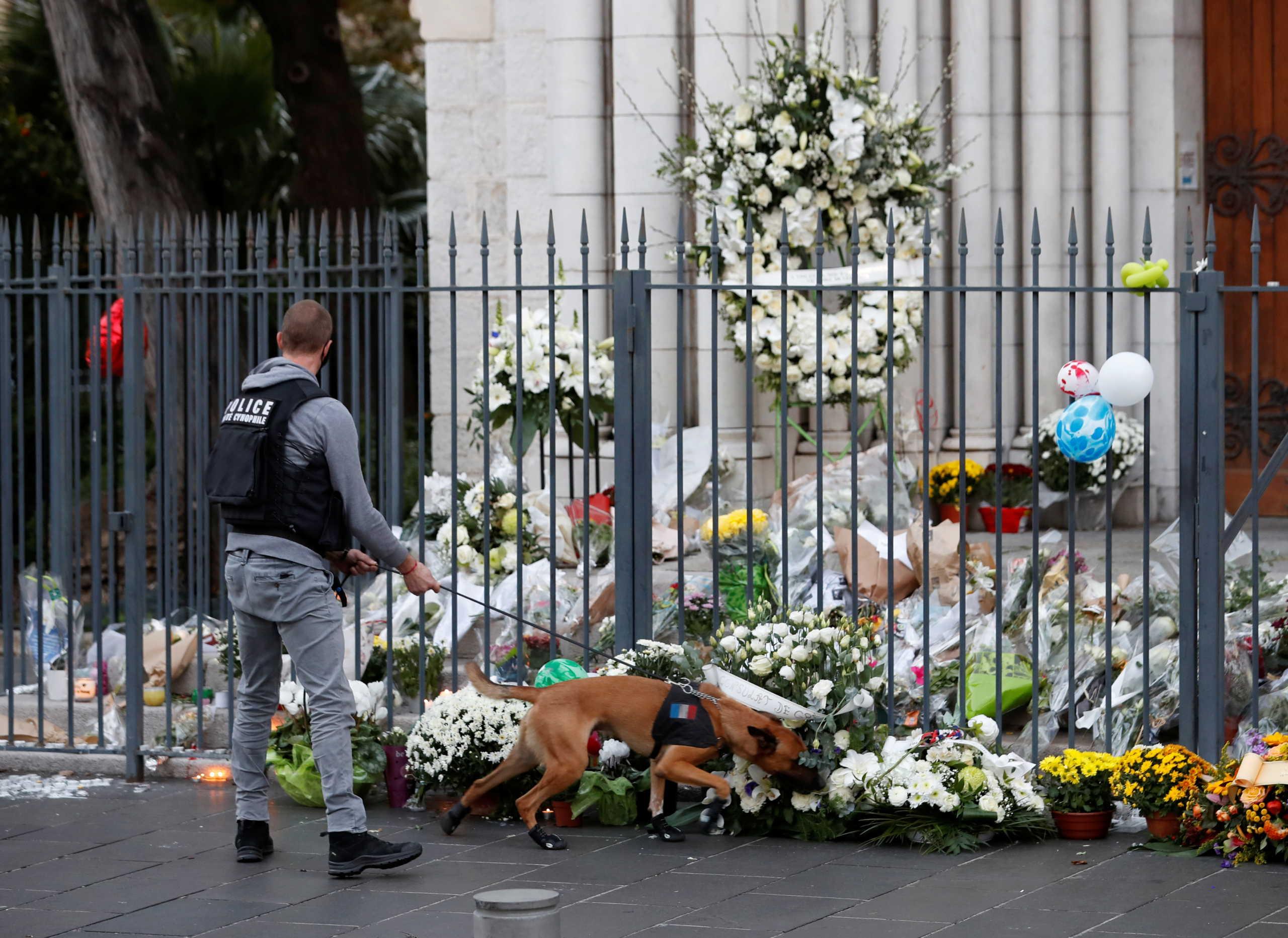Επίθεση στη Νίκαια της Γαλλίας: Τρεις άνδρες αφέθηκαν ελεύθεροι – Ανακρίθηκε Τυνήσιος που έφθασε στη χώρα μαζί με τον δράστη