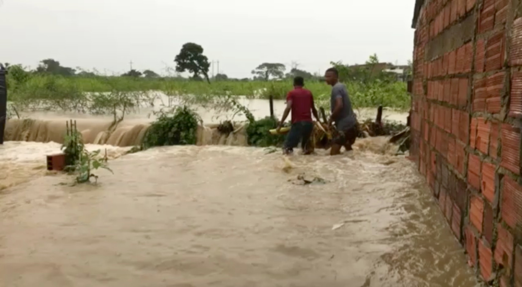 Συναγερμός στην Κεντρική Αμερική: Μετά την καταιγίδα Ήτα «επελαύνει» ο κυκλώνας Γιώτα (pics)