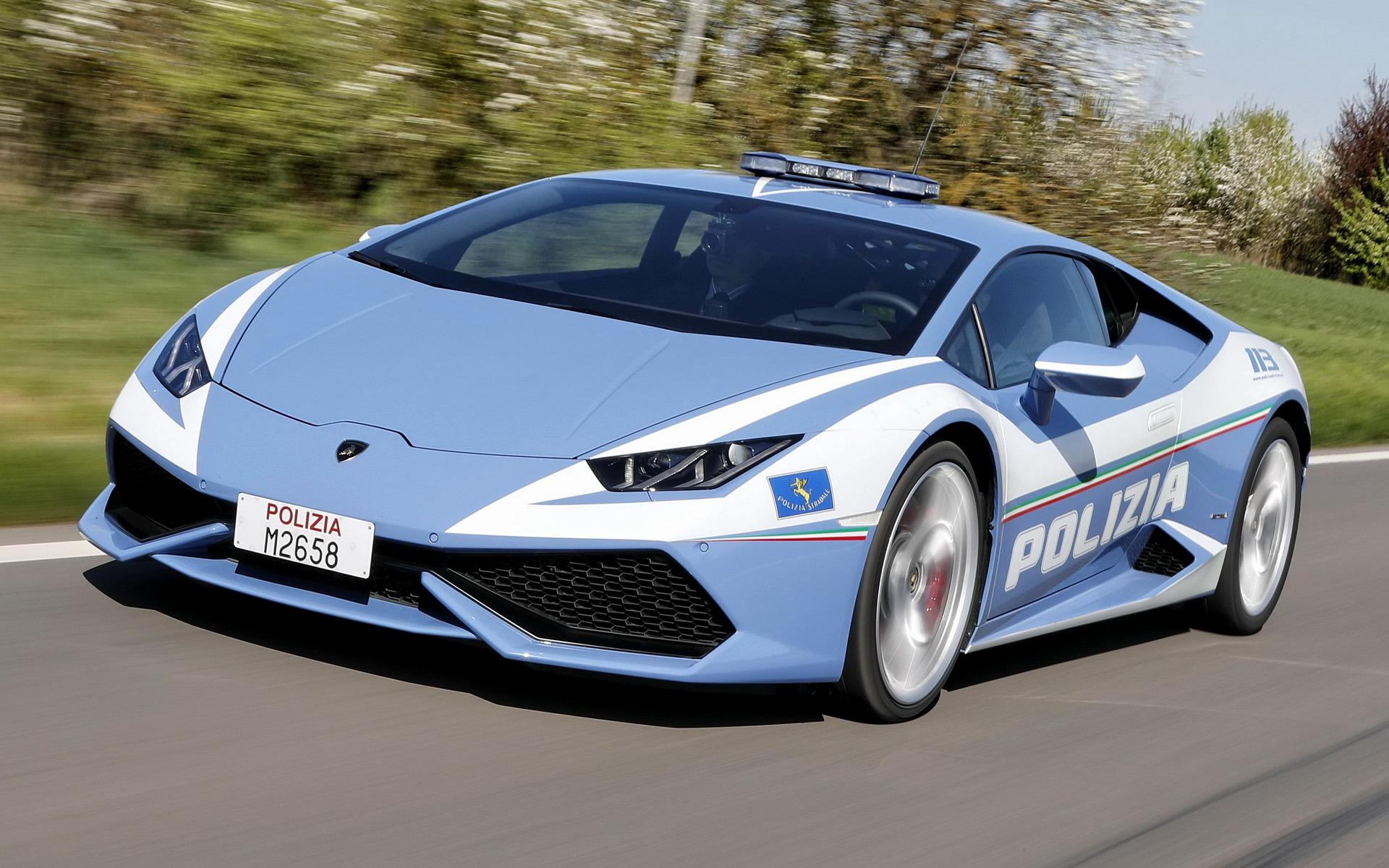 Μια Lamborghini της αστυνομίας παραβίασε κάθε όριο ταχύτητας για καλό σκοπό! [vid]