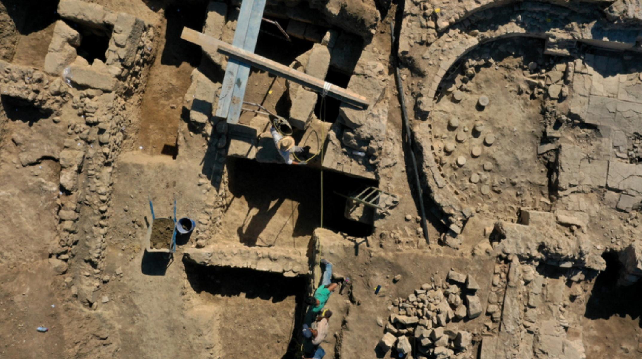 Λέσβος: Εντυπωσιακές ανακαλύψεις στην Αρχαία Άντισσα
