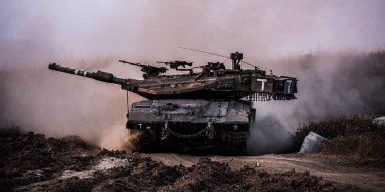 """Στο """"τσακ"""" γλίτωσαν Ισραηλινοί στρατιώτες από απίστευτο ατύχημα με τανκ! Σοκαριστικά πλάνα! [vid]"""