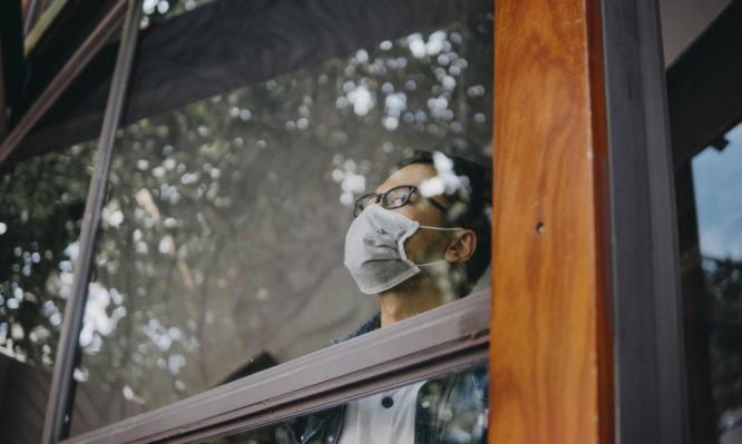 Ο ΠΟΥ προειδοποιεί: Να μην χαλαρώσουν οι χώρες που έχουν πτώση στα κρούσματα κορονοϊού