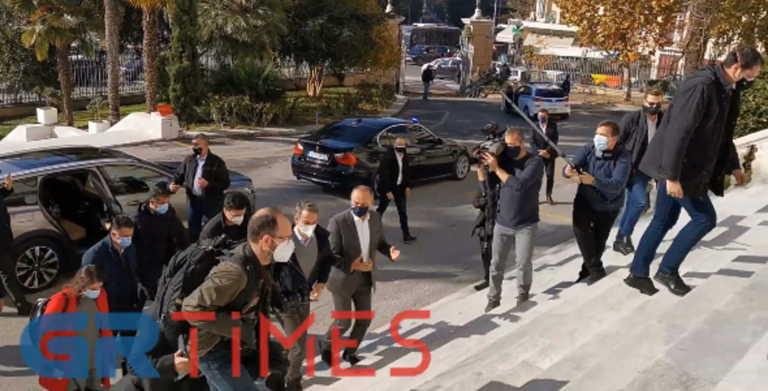 Θεσσαλονίκη: Έφτασε 45′ νωρίτερα ο Μητσοτάκης και… σε πανικό οι δημοσιογράφοι! (video)