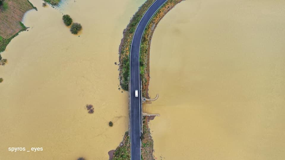 Κρήτη: Η κακοκαιρία, οι πλημμύρες και οι εικόνες που καθηλώνουν! Λασπόνερα κάλυψαν τα πάντα (Φωτό)