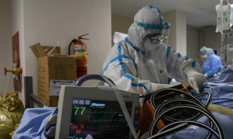 Κορονοϊός: Μετακινούν προσωπικό από δημόσια νοσοκομεία στα ιδιωτικά που επιτάχθηκαν