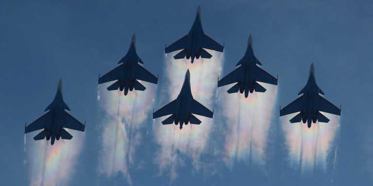"""""""Τέλος"""" η παράδοση των επίλεκτων μαχητικών Su-35 του Πούτιν στις αεροπορικές δυνάμεις της Ρωσίας! [vid]"""