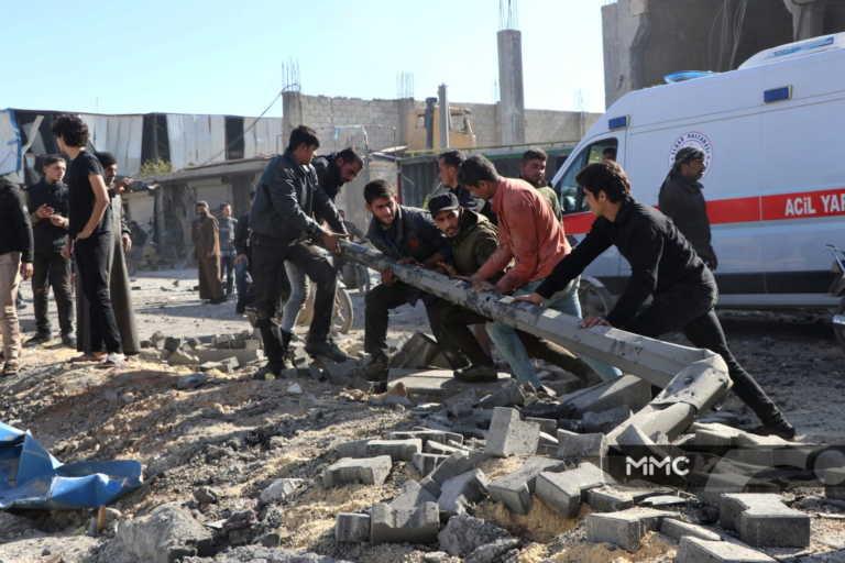 Συρία: Τουλάχιστον 30 νεκροί από εκρήξεις παγιδευμένων αυτοκινήτων και από μια ενέδρα