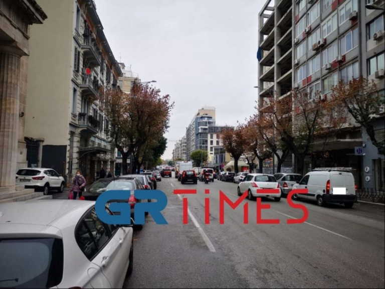 Θεσσαλονίκη: Όλοι στους δρόμους σαν… να μην υπάρχει lockdown (pics, video)