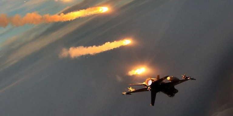 """Τουρκικά μαχητικά F-16 """"επανήλθαν"""" στο Αιγαίο με παραβιάσεις και με μια """"εμπλοκή"""""""