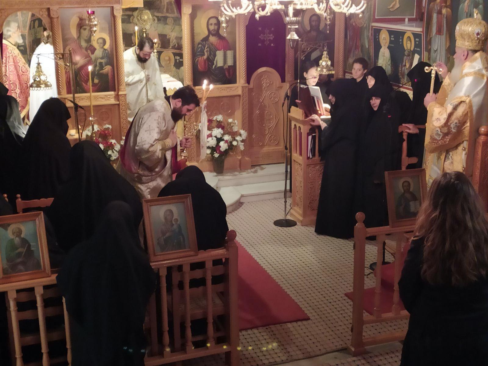 Ένας Μητροπολίτης και τρεις μοναχές με κορονοϊό μετά από λειτουργία σε γυναικείο μοναστήρι