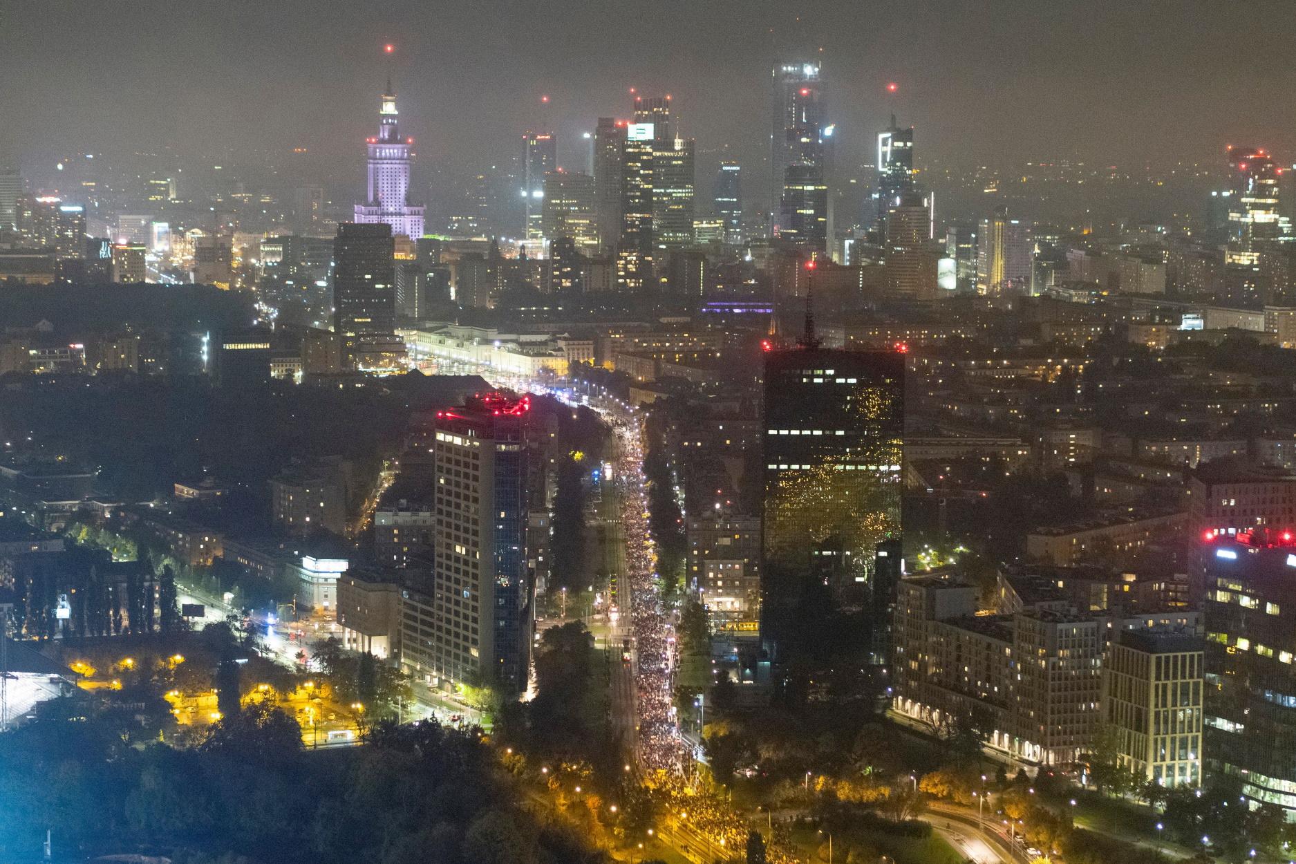 Polexit: Η Πολωνία κινδυνεύει με de facto έξοδο από την ΕΕ
