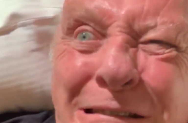 Άντονι Χόπκινς: Mετά από 253 μέρες καραντίνας γυάλισε το μάτι του – Το βίντεο που σαρώνει