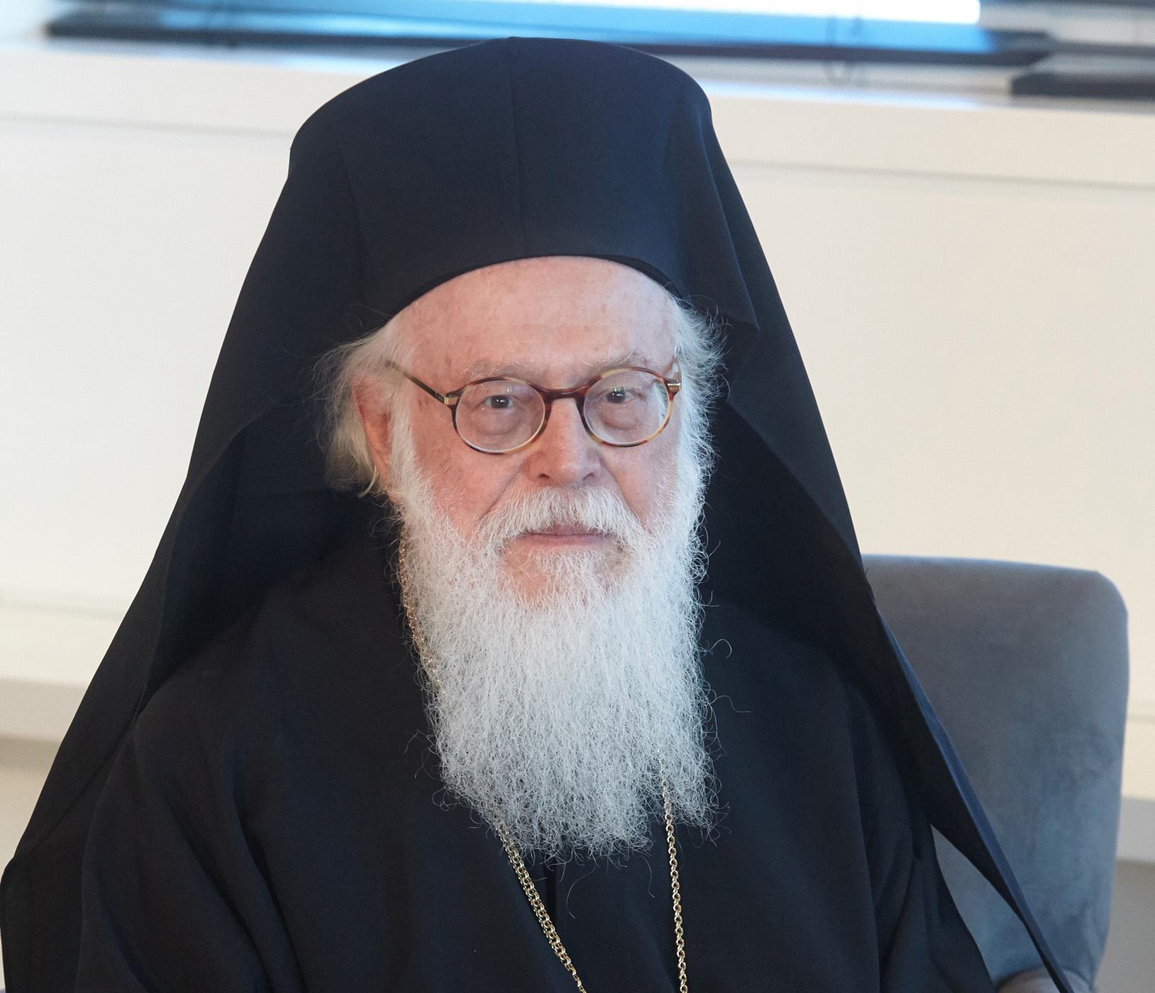 Με πυρετό και πάλι ο Αρχιεπίσκοπος Αναστάσιος