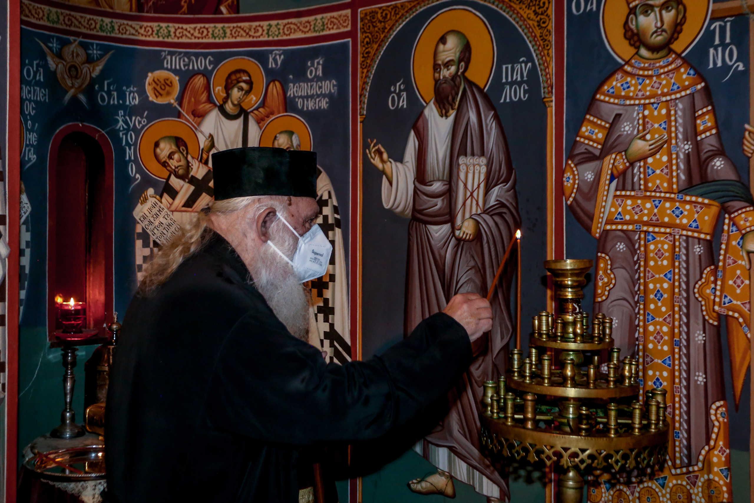 Δικηγόροι στο ΣτΕ για να αρθούν τα απαγορευτικά μέτρα στις εκκλησίες