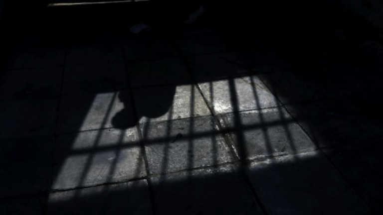"""Αυλώνας: Στα """"μαλακά"""" ο υπάλληλος που κατηγορήθηκε για διακίνηση ναρκωτικών στις φυλακές ανηλίκων"""