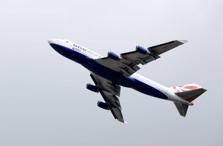 Σκάνδαλο στην British Airways: Αεροσυνοδός-call girl προσφέρει τις υπηρεσίες της εν ώρα πτήσης (pics)
