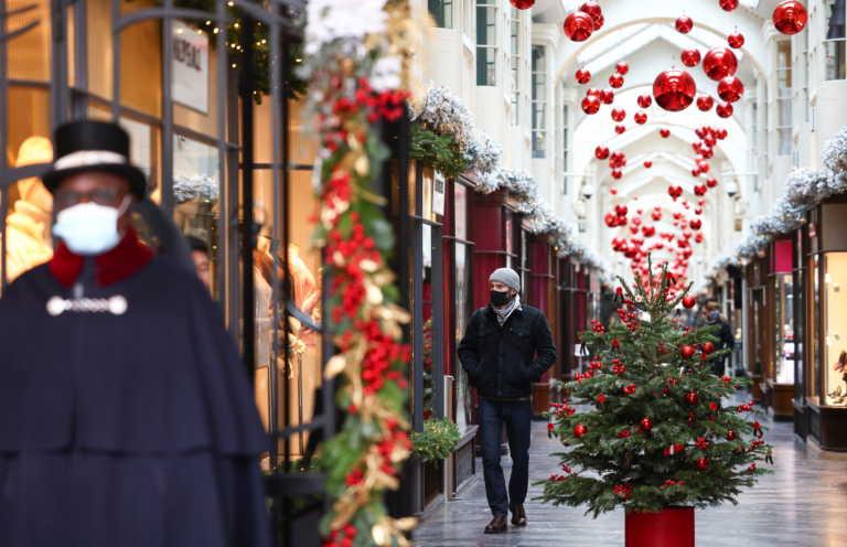 Η Ευρώπη προετοιμάζεται για τα πρώτα… COVID-19 Χριστούγεννά της