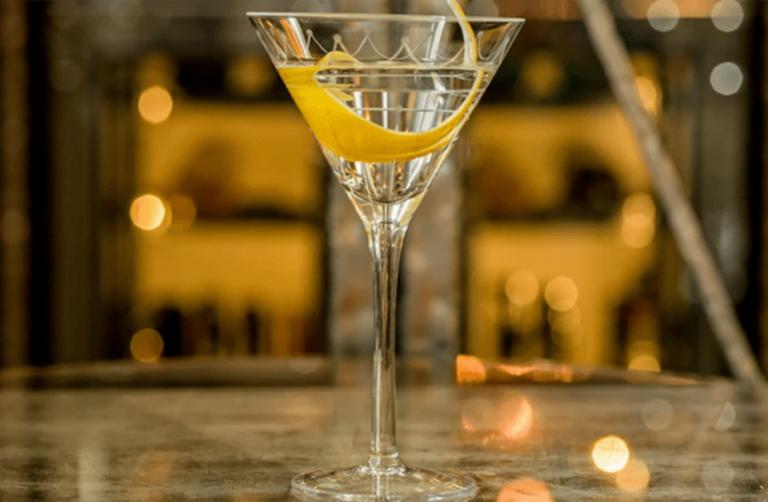 Κλείνουν μπαρ, εστιατόρια και γήπεδα στο Λουξεμβούργο