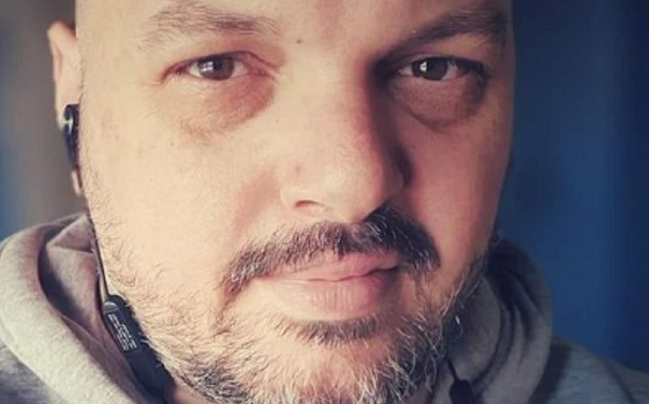 """Κορονοϊός: Πέθανε στα 39 του ο διάσημος """"Dj Decibel"""" Δημήτρης Μπέλος!"""