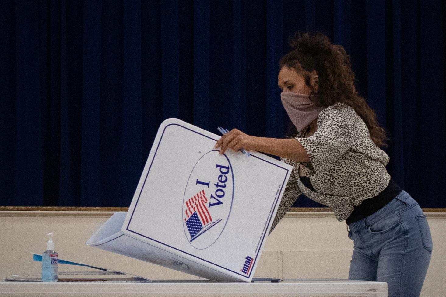 """Αμερικανικές εκλογές: Τα.. γυρίζει τώρα ο ταχυδρόμος που κατήγγειλε παρατυπίες με τις επιστολικές ψήφους – """"Είπα ψέματα"""""""