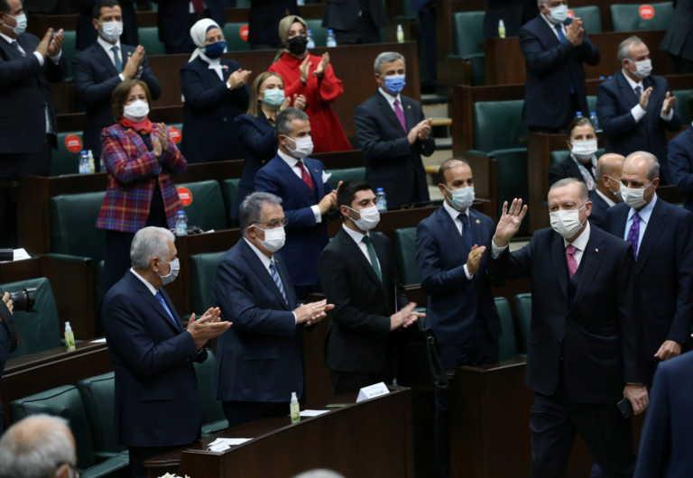 """""""Σουλτάνος"""" με τα… όλα του ο Ερντογάν: Τουρκικό εμβόλιο για τον κορονοϊό μέχρι τον Απρίλιο"""