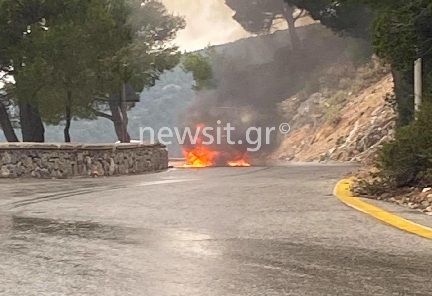 Φωτιά σε όχημα της Πολεμικής Αεροπορίας στην Πάρνηθα! (pics, video)