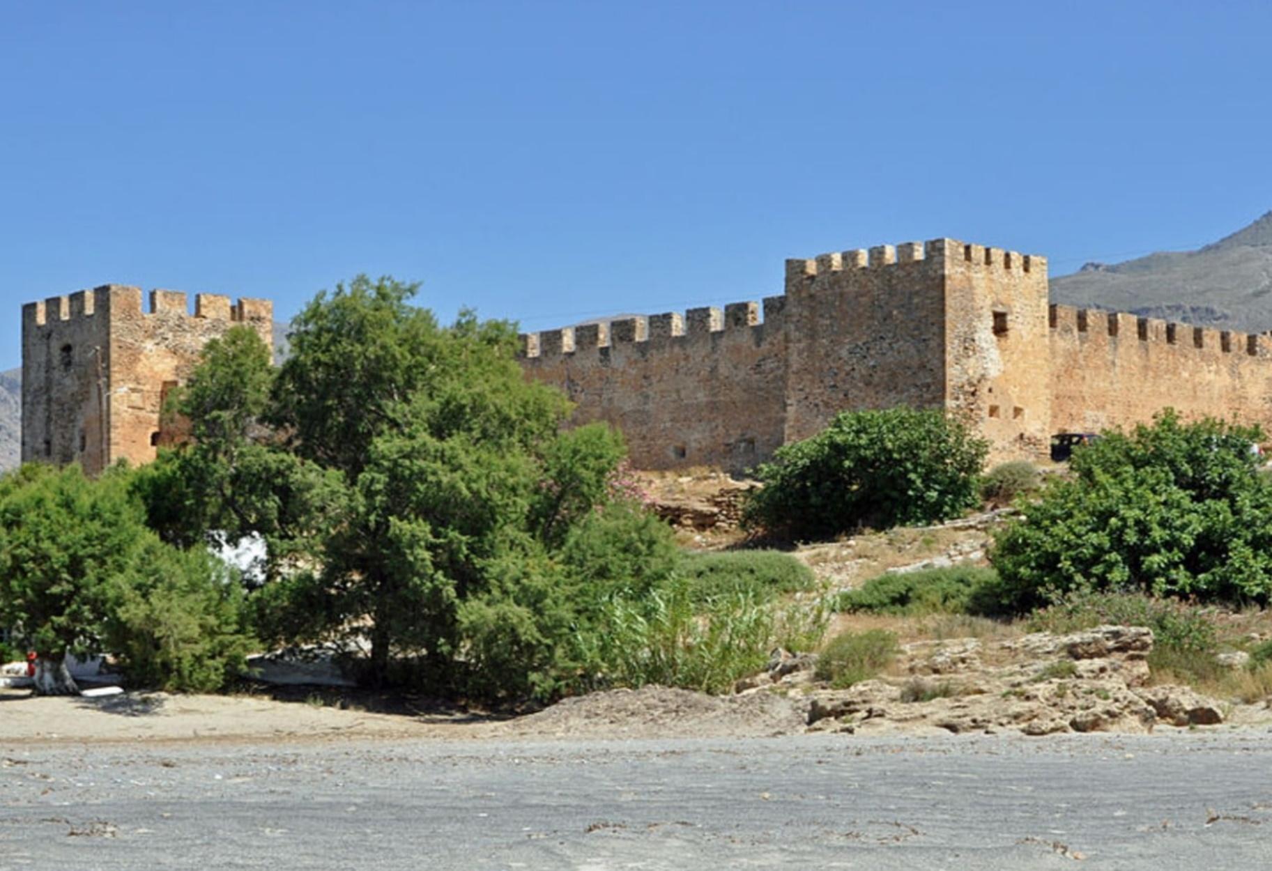 Το ελληνικό κάστρο και ο μύθος με τους πολεμιστές που ζωντανεύουν