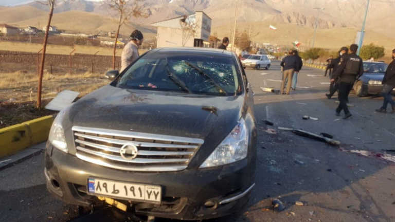 """Ιράν: Ισραηλινής κατασκευής το όπλο που σκότωσε τον πυρηνικό επιστήμονα – """"Χαμός"""" στην κηδεία του (pics)"""