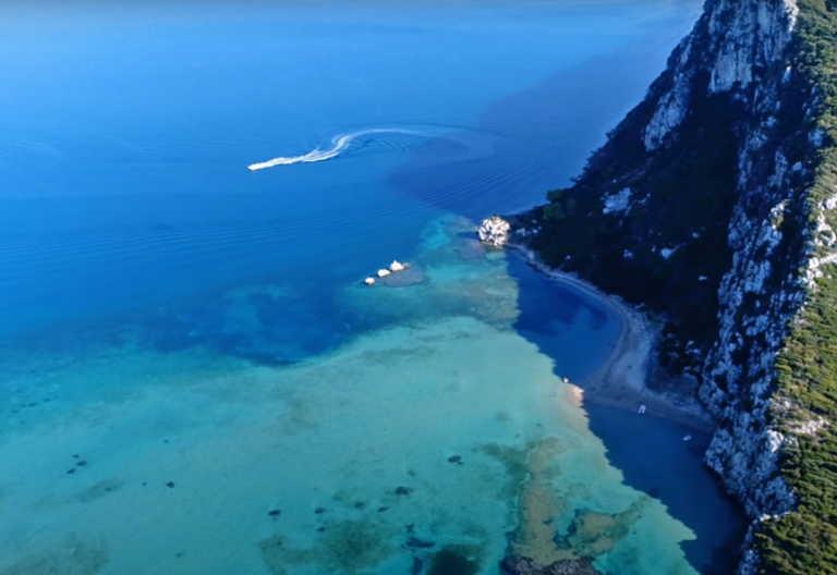 """Παραλία """"Ασπίδα του Βρασίδα"""": Αυτή είναι η πιο ιστορική παραλία της Ελλάδας"""