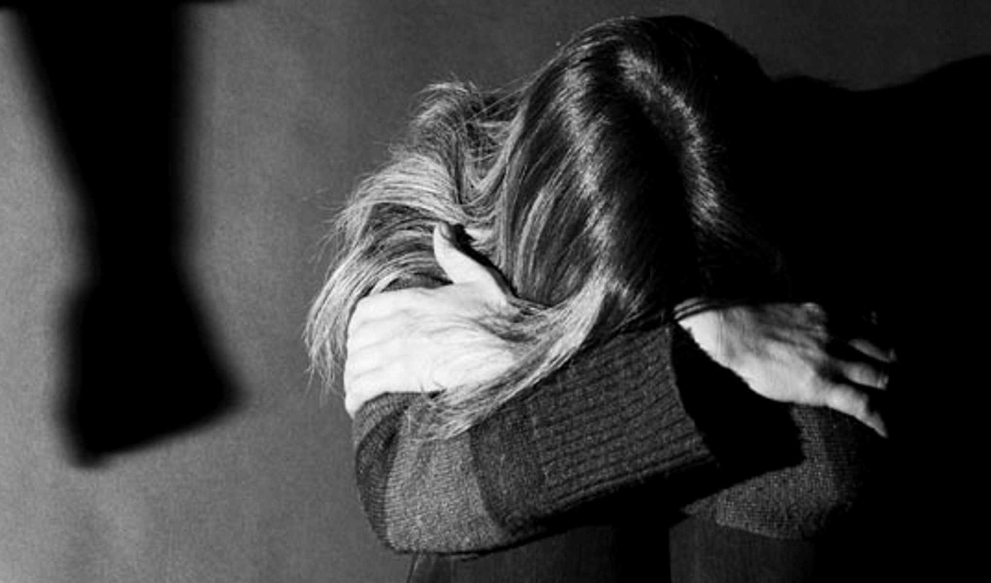 Τον απέρριψε και άρχισε ο εφιάλτης: Μετά τις απειλές, της επιτέθηκε μέσα στο σπίτι της