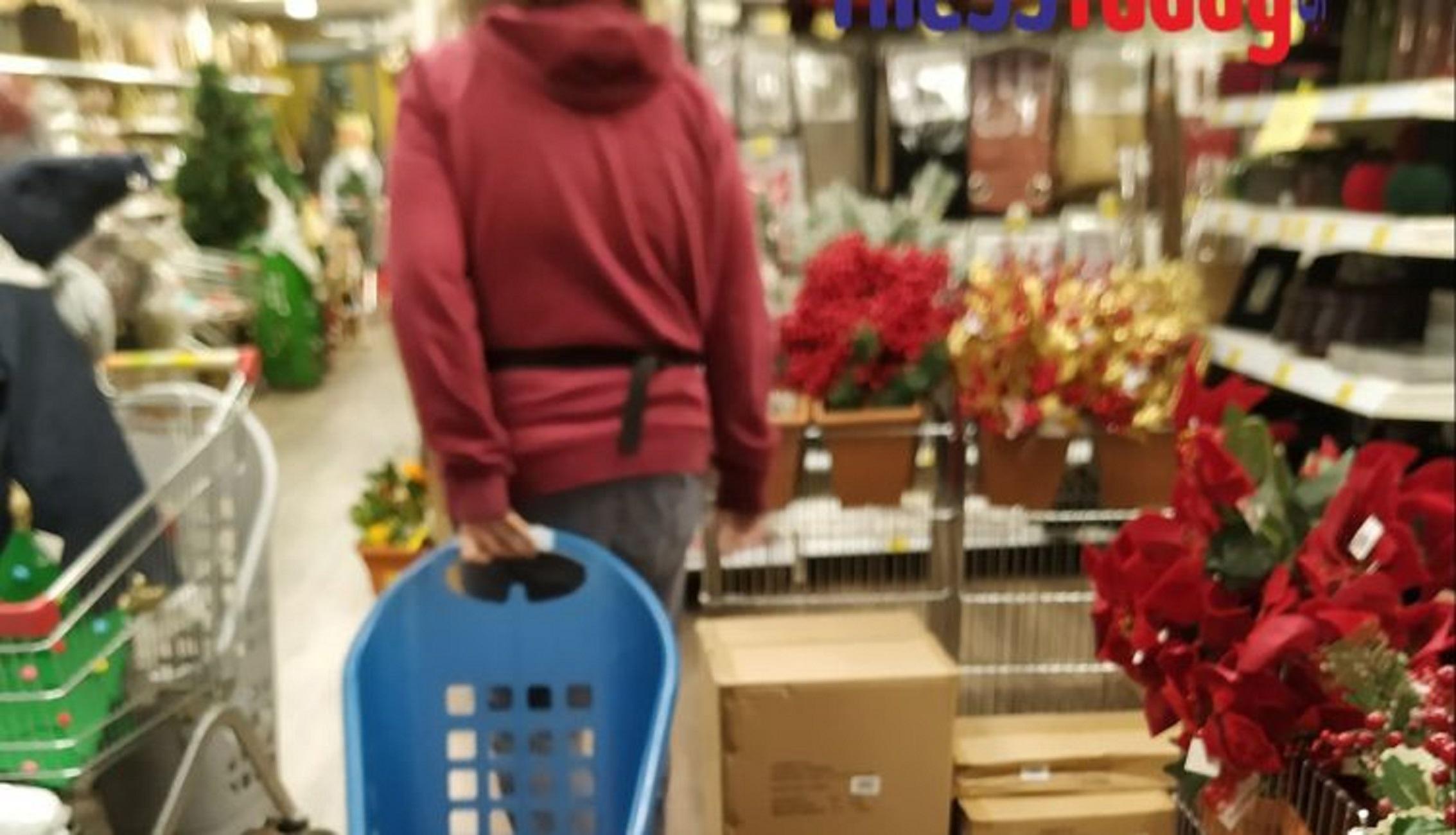 Κατερίνη – Lockdown: Εμπορικά καταστήματα άνοιξαν με κόλπο και βάζουν κόσμο από την πίσω πόρτα (Φωτό)