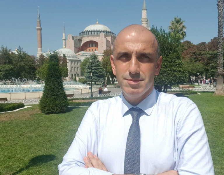 Μανώλης Κωστίδης: Ημερολόγιο κορονοϊού στην Τουρκία – Τα χάπια που του έδωσαν, και ο έλεγχος της αστυνομίας