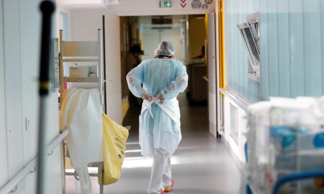 Θεσσαλονίκη: 1 στους 5 ασθενείς διασωληνώνεται – Πολλοί νέοι και χωρίς υποκείμενα νοσήματα στις ΜΕΘ