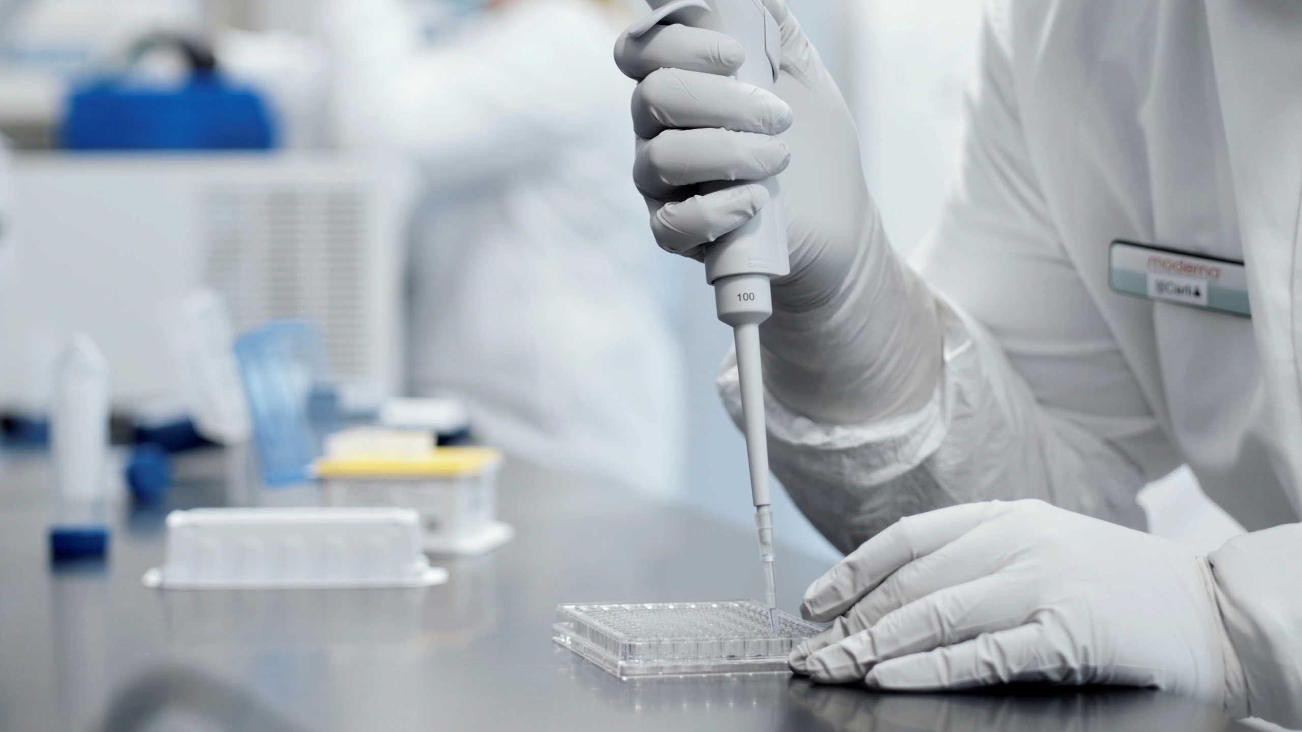 Εμβόλιο: «Κλείδωσε» συμφωνία της Κομισιόν και με την Moderna για 160 εκατομμύρια δόσεις