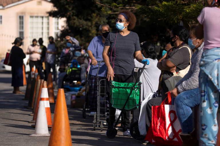 Αυτοί οι χώροι «θρέφουν» τον κορονοϊό – Η κίνηση που θα τον «έσβηνε» – Η διαφορά του από Ebola και γρίπη