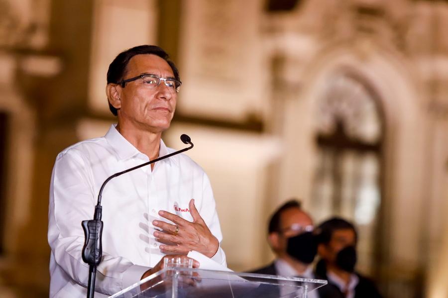 """Περού: Ο """"μαχητής"""" πρόεδρος κατά της διαφθοράς καθαιρέθηκε για… υπόθεση διαφθοράς! (pics)"""