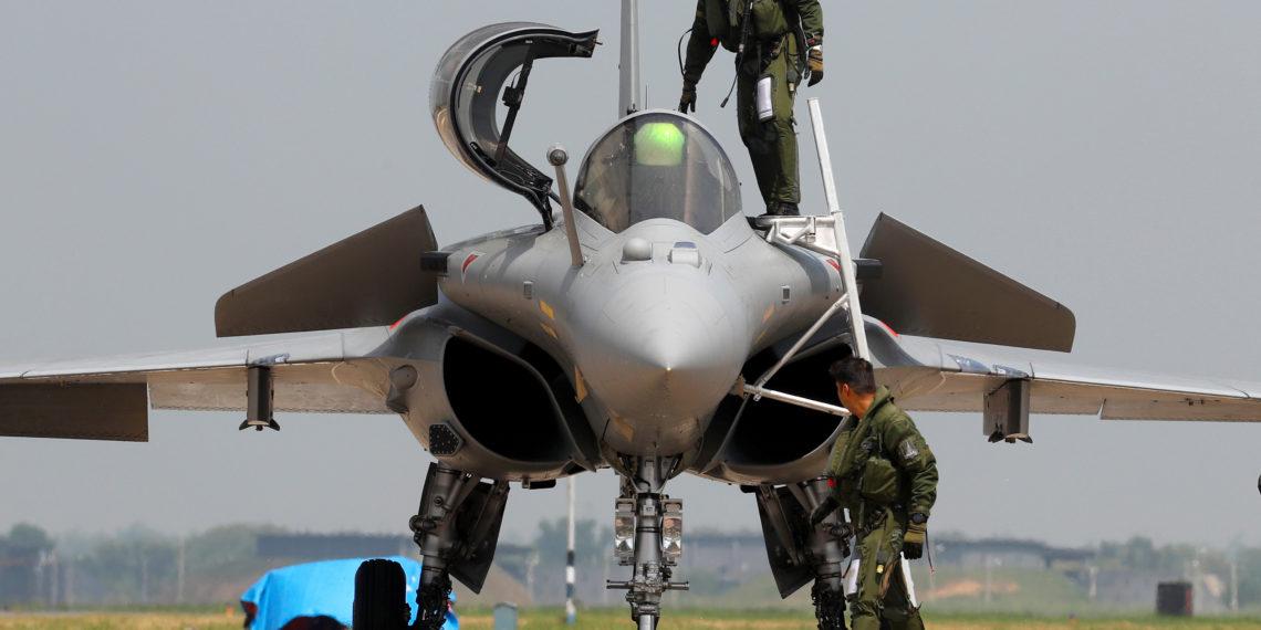 "Rafale: Οι Ινδοί ""κοιτάνε"" το γαλλικό πανίσχυρο μαχητικό μετά τη συντριβή του MiG-29! [pics]"